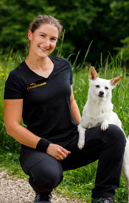 Kim Landfried, Hundetrainerin, Akdemie Hund